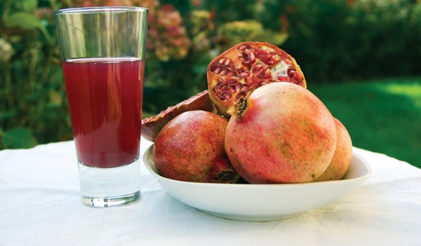 Pomegranate Juice May Help Prostate Cancer Patients