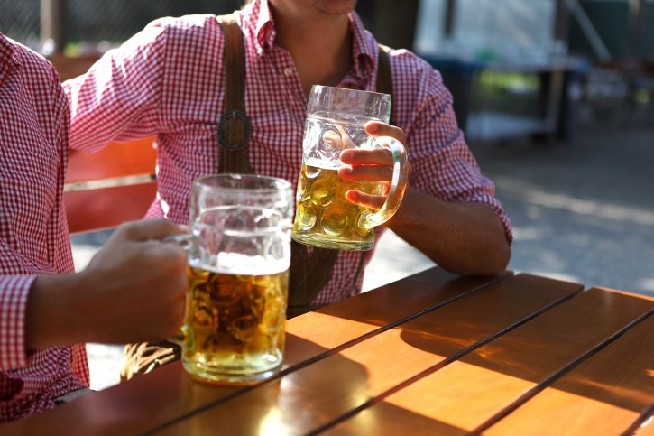 Binge Drinking Could Boost Blood Pressure in Young Men