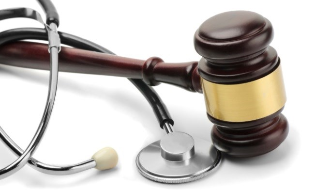 Do noneconomic damages caps in medical malpractice affect physicians?