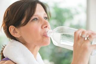 In a study, 66% of patients found sodium bicarbonate beneficial, with 40% preferring it to other mouth rinses.