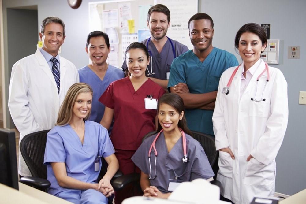 Patients prefer doctors who wear 'professional' attire, survey finds.