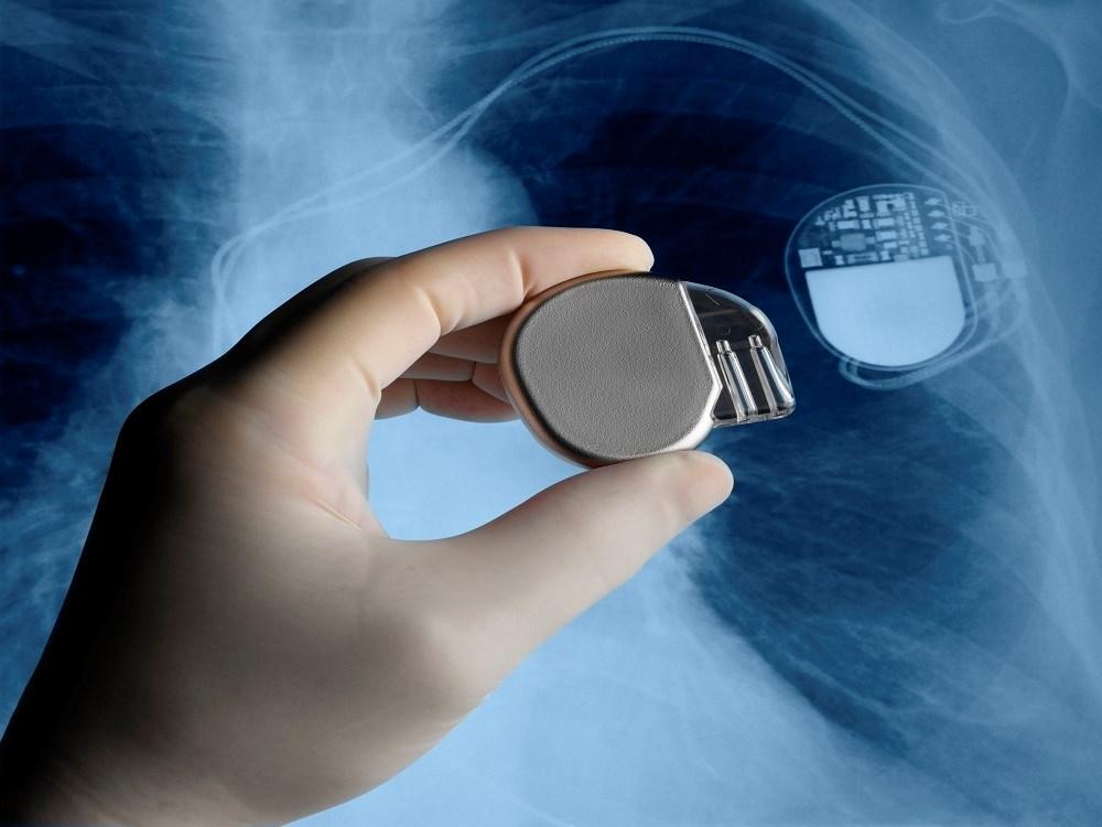 ICD Use Cuts Sudden Death, Mortality in Cardiomyopathy