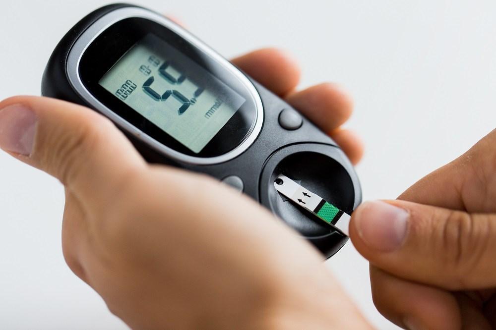 Sensor-based Glucose Monitoring System Avoids Finger Pricks