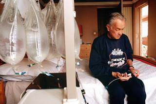 Findings from a small study suggest that patients on peritoneal dialysis who have hungry bone syndrome respond better to treatment than those on hemodialysis.