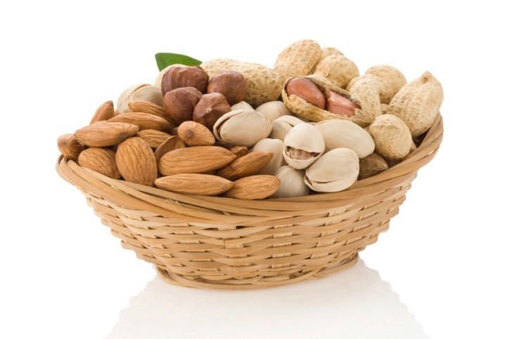 Both total intake of nuts and consumption of peanuts/tree nuts and walnuts tied to lower risk.
