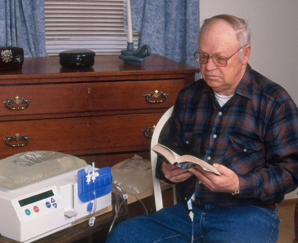 Starting on peritoneal dialysis was associated with a 25% lower dementia risk versus starting on hemodialysis, a study showed. (SciSource)