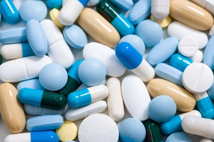 Dementia link seen with antidepressant, urological, and anti-Parkinson's drugs.