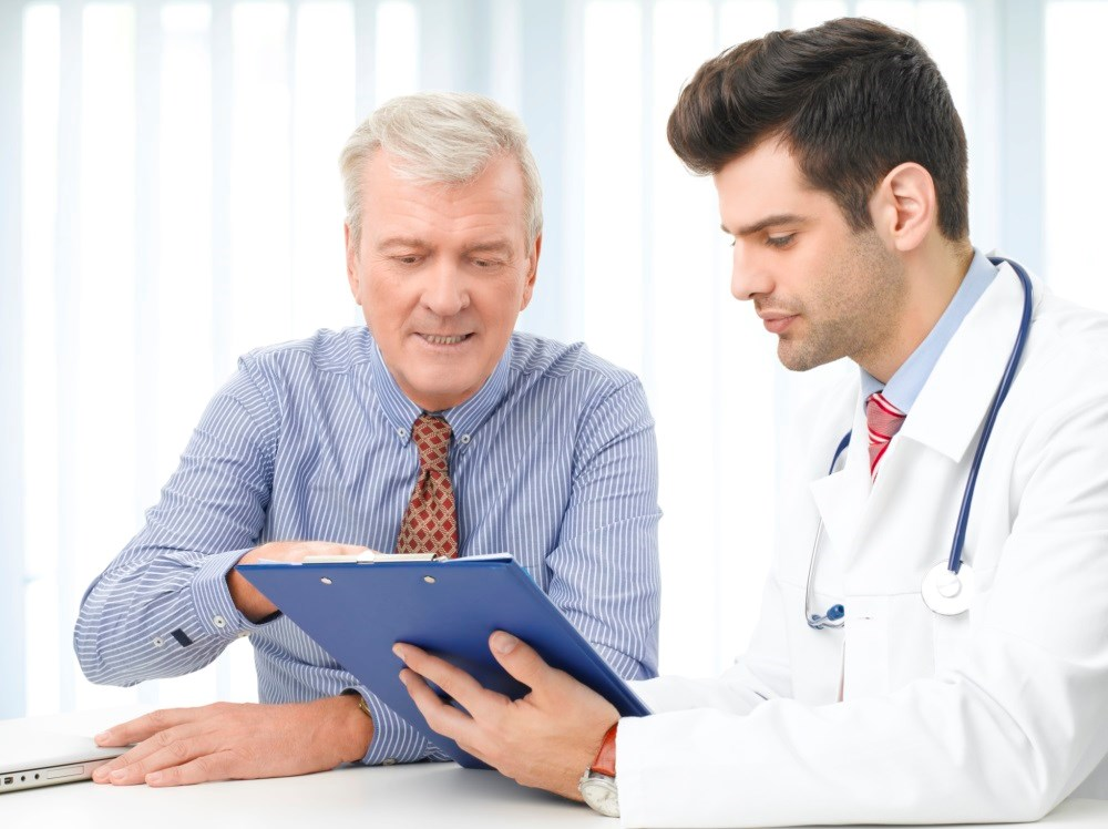 Clinicians Somewhat Favor Shared Decision-Making in Older mCRPC Patients