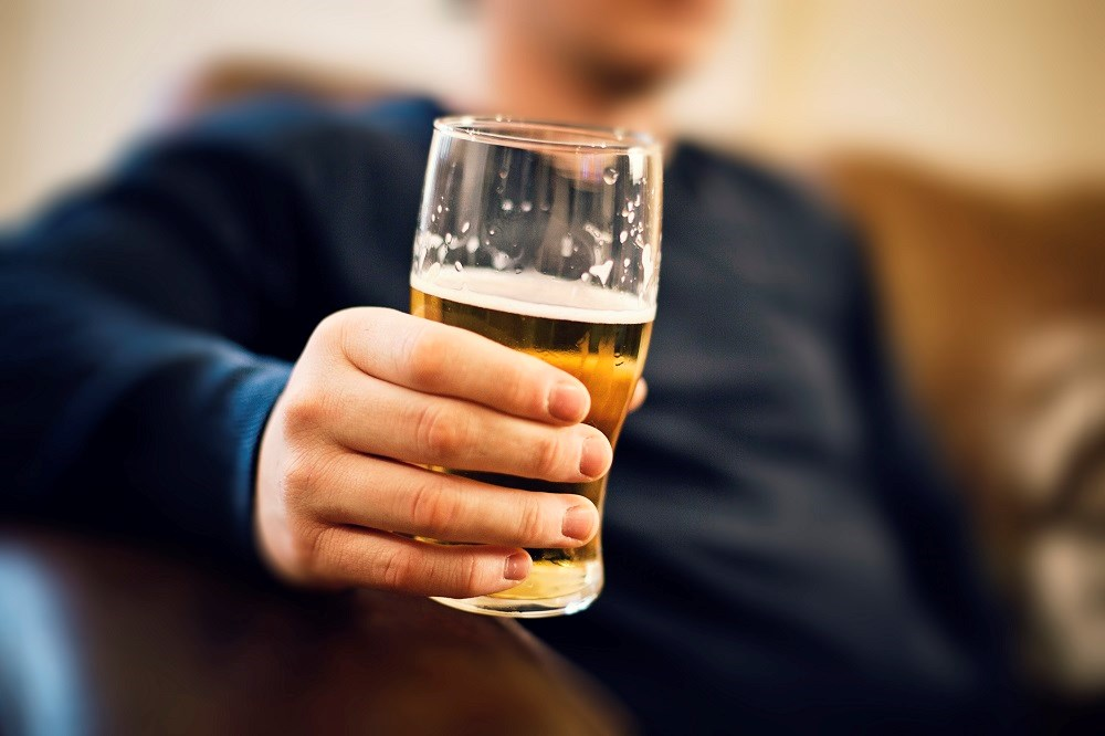 The researchers found that higher alcohol consumption was associated with increased odds of hippocampal atrophy in a dose-dependent manner.